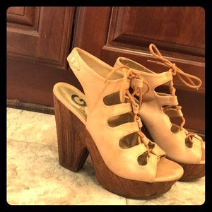 Guess shoes.. super comfy. In almost new condition